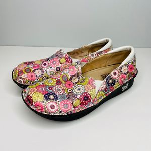 ALEGRIA Comfort Orthotic Nursing Clogs Floral